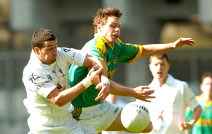 OLD ENEMIES: Stephen Bray (right) in action for Meath against Andriú Mac Lochlainn of Kildare during the Leinster SFC at Croke Park in May 2007. Photo: SPORTSFILE