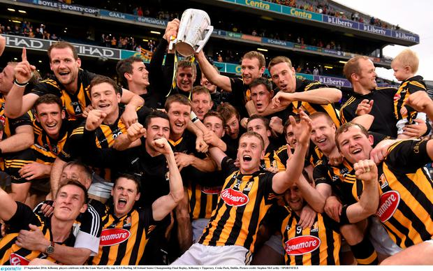 27 September 2014; Kilkenny players celebrate with the Liam MacCarthy cup. GAA Hurling All Ireland Senior Championship Final Replay, Kilkenny v Tipperary. Croke Park, Dublin. Picture credit: Stephen McCarthy / SPORTSFILE
