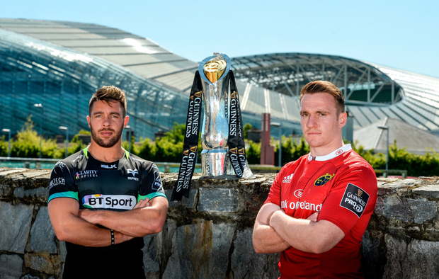 Ospreys' Rhys Webb (l) and Munster's Rory Scannell at the Guinness PRO12 semi-final launch outside the Aviva. Photo by Piaras Ó Mídheach/Sportsfile