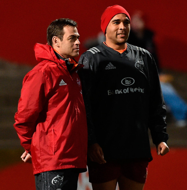 Munster head coach Johann van Graan and Simon Zebo in conversation