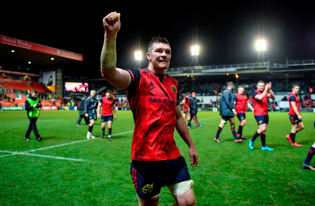 Peter O'Mahony of Munster celebrates vicrtory over Leicester
