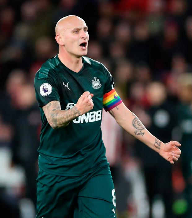 Jonjo Shelvey celebrates the Magpies second goal