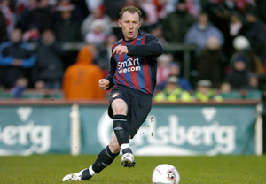 Trevor Molloy scores a penalty for St Patrick's Athletic during the 2006 FAI Cup final against Derry City at Lansdowne Road. Photo: David Maher/Sportsfile