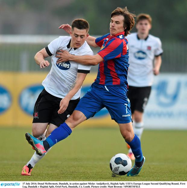 Donal McDermott, Dundalk, in action against Mislav Andjelković, Hajduk Split. Photo: Matt Browne / SPORTSFILE