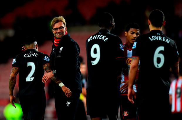 SUNDERLAND, ENGLAND - DECEMBER 30: Jurgen Klopp, manager of Liverpool congratulates his players after the Barclays Premier League match between Sunderland and Liverpool at Stadium of Light on December 30, 2015 in Sunderland, England. (Photo by Stu Forster/Getty Images)