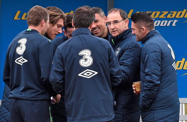 Martin O'Neill and Roy Keane enjoy banter with players. Photo: David Maher/Sportsfile