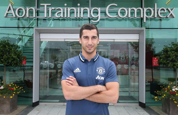 Henrikh Mkhitaryan being officially unveiled by Manchester United. Photo: Getty