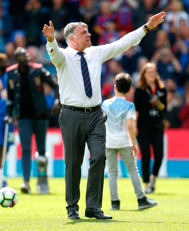 Sam Allardyce acknowledges the Palace fans
