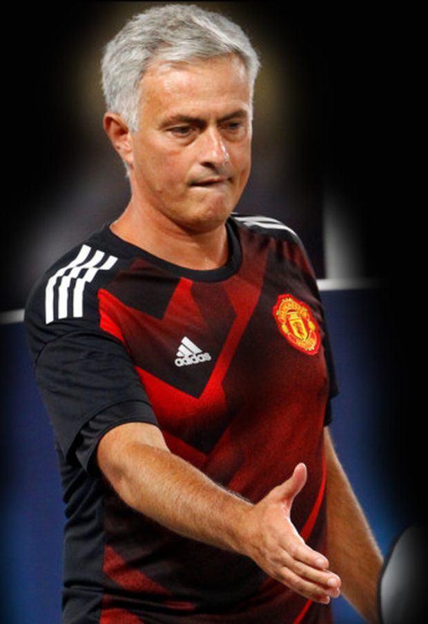 Manchester United manager Jose Mourinho is ready to shake hands on a new deal for Zlatan Ibrahmovic as he prepares for the visit of West Ham tomorrow.