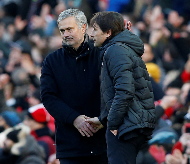 Jose Mourinho and Antonio Conte shake hands at the end of the game