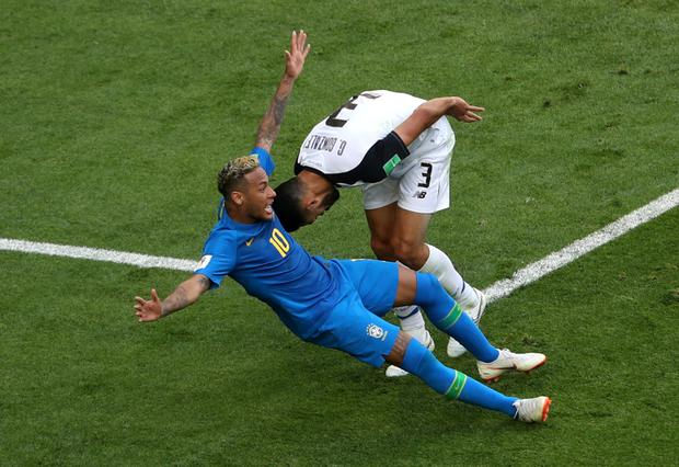 Neymar failed to win a penalty after diving following a slight challange by Costa Rica's Giancarlo Gonzalez