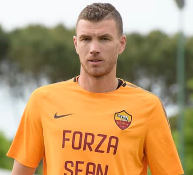 Roma star Edin Dzeko pays tribute to Sean Cox