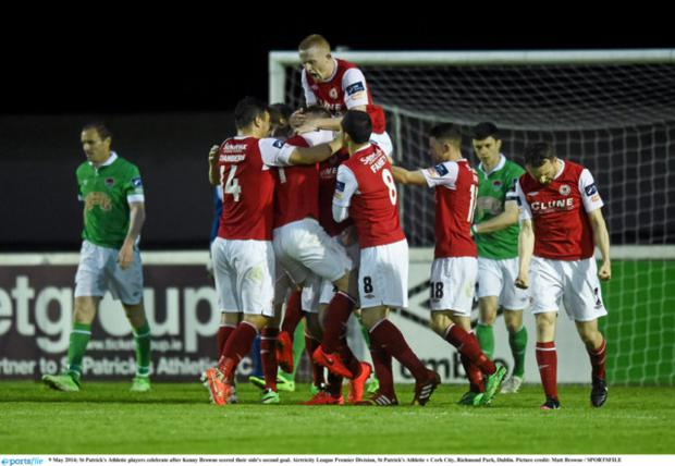 St Patrick's Athletic players celebrate after Kenny Browne's goal. Picture credit: Matt Browne / SPORTSFILE