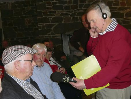 Radio Kerry presenter, Seán Hurley speaking to Christy Cronin at the recent Rambling House session in Scartaglin.