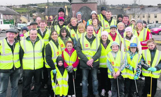 The crew of local volunteers who got out on the streets to give Abbeyfeale a good spring cleaning.