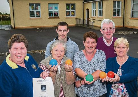 The Stack Family who are holding a bingo benefit night for Killahan National School in Memory of Estie Stack. Included are Bernadette O'Sullivan, Kathleen Stack, Geraldine Stack, Mary Nolan, Alban Stack and School Principal Ger Doyle