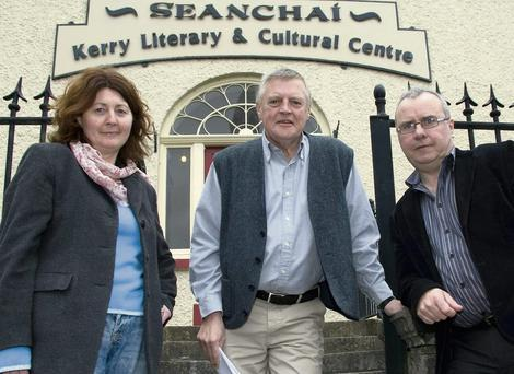 Planning a staging in Listowel: Denis Hobson (centre) pictured with Mary Lavery- Carrig and Paul Moriarty outside the Seanchaí centre in Listowel on Saturday. Photo by John Reidy.