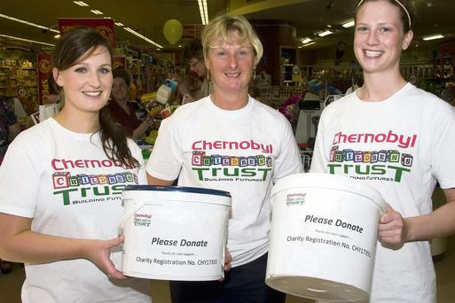Amanda Begley (left) with her mom, Angela and Róisín Bregin pictured during their fundraising stint at Garvey's SuperValu Supermarket in Castleisland on Saturday morning. Photo by John Reidy