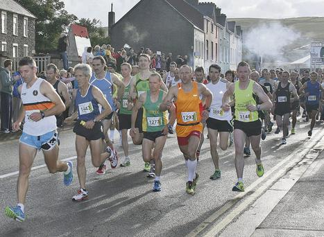 And they're off! The 2013 Kerryman Dingle Marathon gets underway. Photo by Marian O'Flaherty
