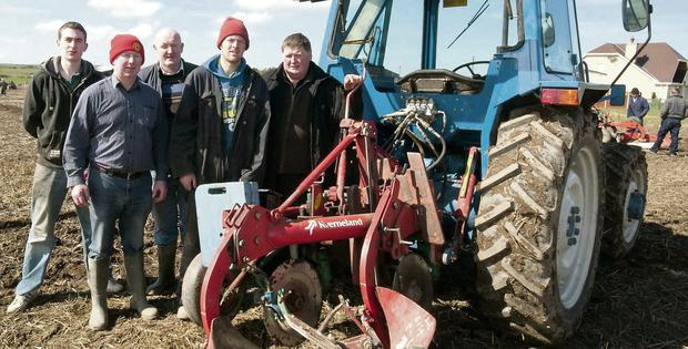 Thomas O'Carroll, Tony O'Carroll and Liam, Richard and Christy O'Mahony enjoying the sunshine at the Ballyduff Ploughing Championship.