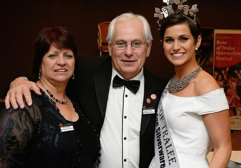 Winning Rose of Tralee 2014 Maria Walsh with mum Noreen and dad Vincent