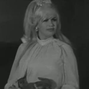 Mansfield is interviewed by Bill O'Herlihy for RTE at The Brandon Hotel. During this interview Mansfield learned that her planned performance had been cancelled