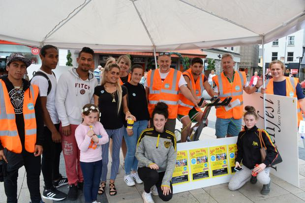 KDYS volunteers, staff and members of the public pictured in the Square in Tralee last Thursday for the KDYS 'Spin the Ring' fundraising challenge. Photo by Fergus Dennehy.