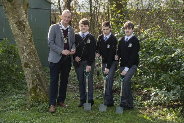 Mayor of Listowel Mike Kennelly with Coláiste Na Ríochta students Mikey Lane, Darren Mulvihill and Darragh McAvoy