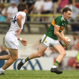 Kieran Murphy of Kerry in action against Mark Sherry of Kildare during the GAA Football All-Ireland Junior Championship semi-final between Kildare and Kerry at Páirc Tailteann. Photo by Piaras Ó Mídheach/Sportsfile