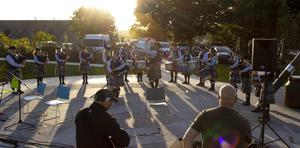 New Ross & District Pipe Band will perform in Library Park