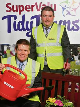 Cecil Whiteside and Raymond Carty from Whiteside's Supervalu Ballisodare at the launch of the Tidy Towns campaign.