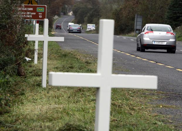 White crosses on the N4 in remembrance of its road traffic victims