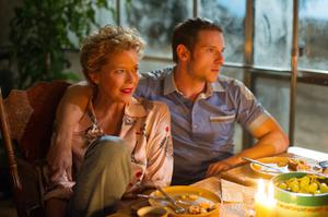 Annette Bening as Gloria Grahame and Jamie Bell as Peter Turner in Film Stars Don't Die In Liverpool.