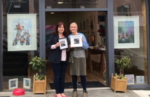 Claire O'Connell from The Gaslamp Gallery and artist Susan Caplice who have teamed up to help raise money for Make_A-Wish Ireland through the sale of limited edition framed beach art pieces