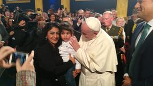 Eva Sheeba and her son Jonathan Estaiffan, from Iraq, met the Pope in Dublin. They are part of the Doras Luimní resettlement programme