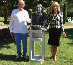 Ambassador Patricia O'Brien and Michael Likierman with Vera Klute's bust of Eileen Gray