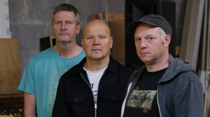 Steve Dobson (bass), Paul Farrell (guitar / vocals) and Colm J Hassett (drums) are known as Le Kala