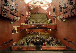 November 2005: End of an era – the final audience leaves the old Theatre Royal