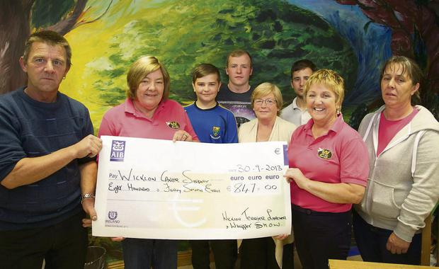 eeeee0c36004c4 Lurcher Terrier and Whippet Club presents cheque to Cancer Support ...