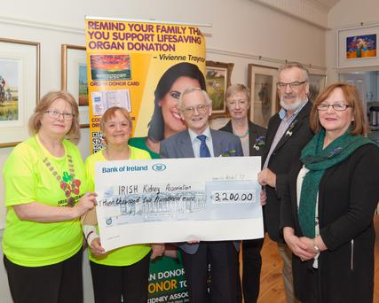 Ashford ICA presenting €3,200 cheque to the Irish Kidney Association