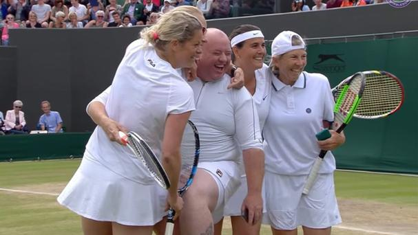 Chris Quinn with Kim Clijsters Rennae Stubbs Conchita Martinez and Andrea Jaeger