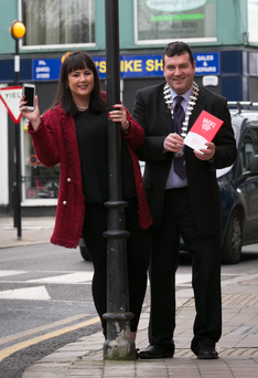 Niamh Foley of Virgin Media with Arklow Municipal District cathaoirleach Tommy Annesley