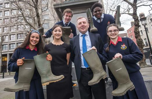Deirdre O'Shea, Executive Director, Agri Aware; Minister Michael Creed T.D. joined by students Molly Walters, Karl Jones, Wicklow, Emily Cazzini and Idanesi Momoh from Wesley College.