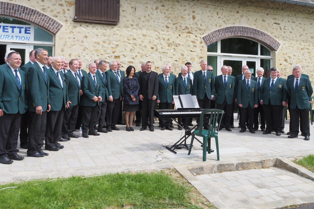 Wicklow Male Voice Choir performing over in Montigney