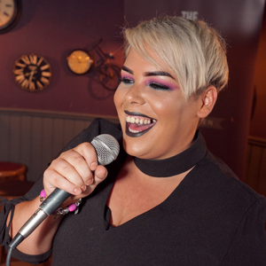 Aoise Porter-Killeen performs in The Brass Fox as part of the Singing Pubs Competition