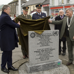 Cllr Edward Timmins and Cllr Tommy Cullen unveiling the monument