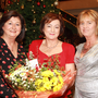 Deputy principal Brenda Byrne makes a presentation to Eileen Dunbar and Denise Buckley
