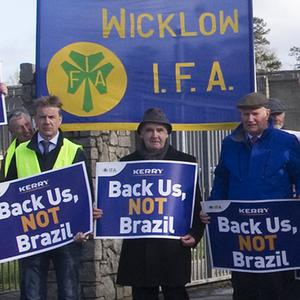 IFA Poultry Chairman Andy Boylan (centre) at the protest at Kerry Foods in Shillelagh.