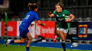 On the move: Ireland's Béibhinn Parsons in action against Aura Muzzo of Italy. BRENDAN MORAN/SPORTSFILE