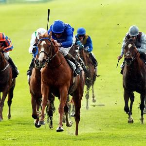 Dawn Approach, blue silks, eased to victory at Newmarket